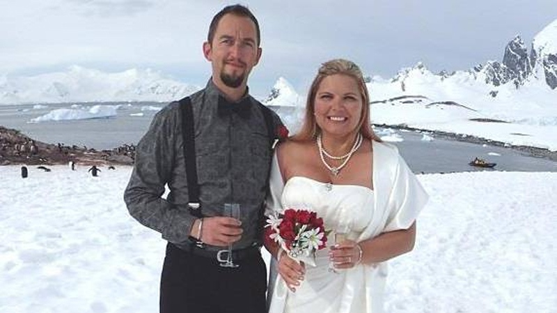 B C Couple Takes Icy Plunge Into Marriage With Antarctic Wedding Ctv Vancouver News