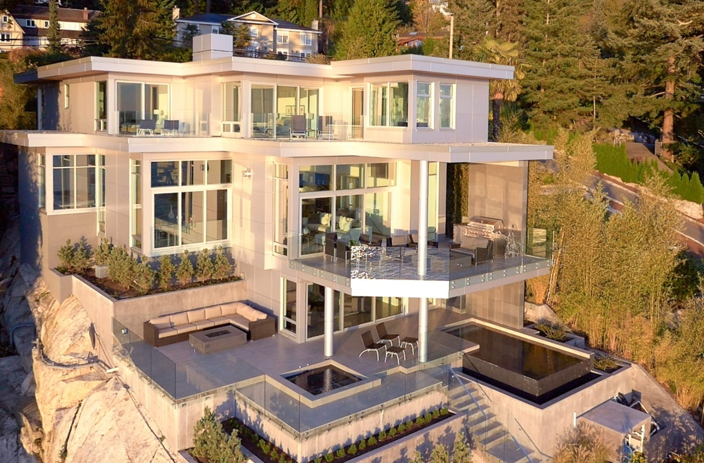 World Class Waterfront 15m West Vancouver Mansion For