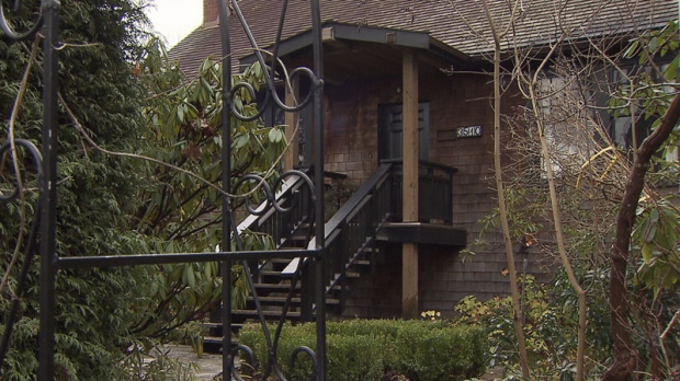 A property on West 22nd Avenue in Vancouver's Dunbar neighbourhood sold for $2.6 million in May 2015, then again for $3.6 million eight months later. (CTV)