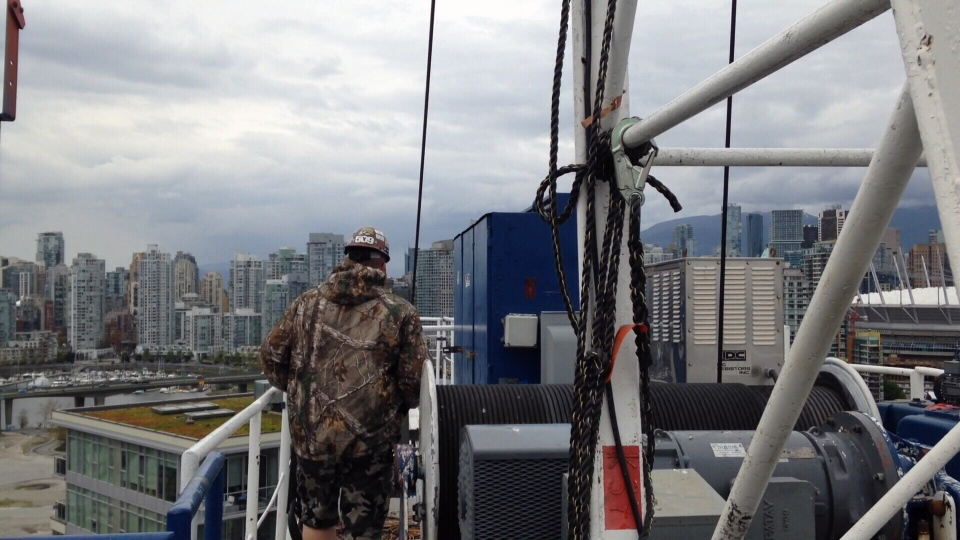 how to become a crane operator in bc