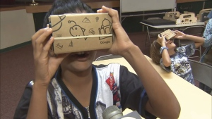 Parents are advised to limit children's play time with virtual reality games. (ABC)