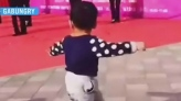 Adorable toddler shows off impressive dance moves