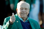 Arnold Palmer gives a thumbs up before the ceremonial first tee before the first round of the Masters golf tournament Thursday, April 7, 2016, in Augusta, Ga. (AP Photo/Charlie Riedel)