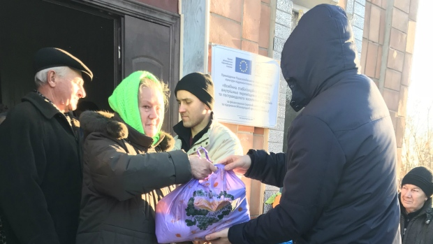 Donating food in Ukraine