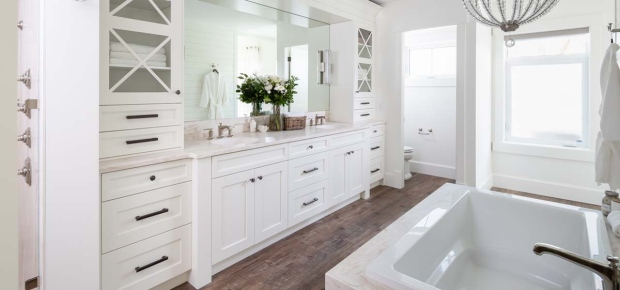 PNE home/PNE2019masterbath.jpg