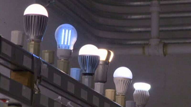 Consumer Reports says LED bulbs have some real advantages over CFLs.